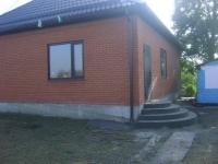 Продам два дома  120 м2 на одном земельном участке  12 соток  для  проживания двух семей. Цена 3,0 млн. руб.