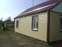 Продам благоустроенный дом из двух комнат в районе Ярмарище станицы Холмской