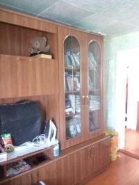 Продам дом 36 кв.м. из 2 комнат, в центре станицы Холмской, 6 соток. Цена 1,0 млн. рублей