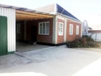 Продам дом 85.7 кв.м., в станице Холмской, в живописном районе. Цена 2,65 млн. рубл.  Частично с мебелью