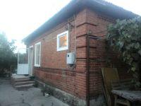 Кирпичный дом 60 м2,  10 соток в центре станицы Холмской. Цена 1,55 млн. руб.