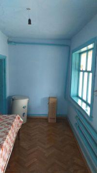 Продам два дома 32 м2, 28 м2, на участке 8 соток. Цена 1,75 млн. руб.