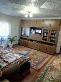 Дом из трех комнат 78 м2, 16 соток. Цена 1,9 млн. рублей.