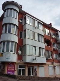 Продам 2-к квартиру 70 кв.м.