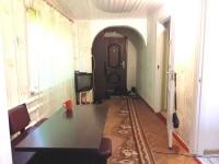 Купить 1/2 дома 58 кв м с ремонтом в центре пгт Ильский