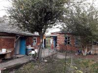 Два дома на участке 6 соток в пгт Черноморский. Цена 900тыс. руб