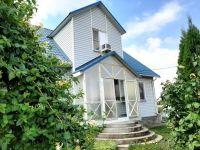 Купить 2-х этажный дом с ремонтом 158 кв м  участок 10 сот в пгт Черноморский. Цена 3.7 млн руб