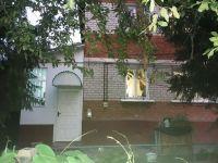 Купить 3-х комн квартиру в двух уровнях с гаражом в пгт Черноморский 1.8 млн. руб