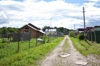 Продам участка 10 соток в Чеховском районе на берегу реки в тупиковом месте д.Сенино.