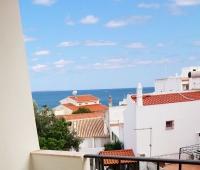 Квартира с видом на океан и рядом с пляжем.