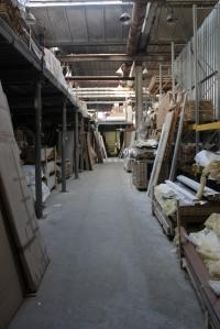 Аренда под склад  площадь 1700м2 есть пандус, стеллажи ст.Гривно